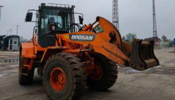 Doosan DL200